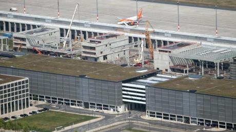 Der Bau des Berliner Flughafens dauert nun schon 13 Jahre.
