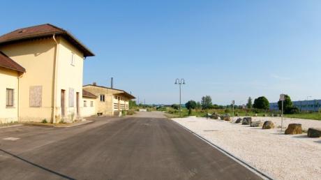Auf einer Fläche hinter dem Burgauer Bahnhof soll der neue Motorsportplatz des AMC entstehen.
