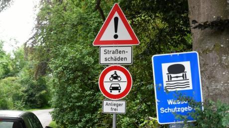 Die Leibistraße ist nördlich der Nau eine direkte Verbindung zwischen Günzburg und Leipheim. Der Weg ist nicht asphaltiert und nur für Anlieger frei gegeben. Jetzt hat sich ein Streit um die Benutzung der Straße entzündet.