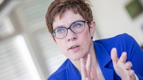 Spricht sich für eine Abwrackprämie für Ölheizungen aus: CDU-Chefin Annegret Kramp-Karrenbauer. Foto: Michael Kappeler
