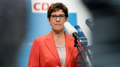 Annegret Kramp-Karrenbauer muss sich einige Kritik aus den eigenen Reihen gefallen lassen.