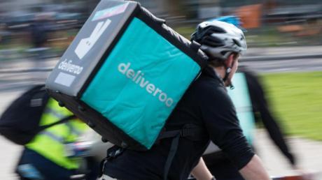 Der Essenszulieferer Deliveroo stellt das Geschäft in Deutschland schon am kommenden Freitag ein.