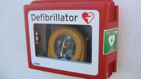 Der 28-Jährige hatte die Batterie aus dem Defibrillator in der Schrobenhausener Bank entwendet. Nicht nur aufgrund des Videos konnte ihn die Polizei fassen.