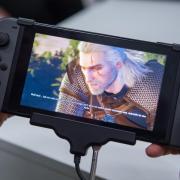 Hexer Geralt ist kein Neuling in der Videospiele-Welt. «The Witcher 3» gibt es nun aber mit allen Zusatzinhalten auch für Nintendos Konsole Switch. Foto: Andrea Warnecke/dpa-tmn