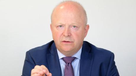 FDP-Fraktionsvize Michael Theurer dringt nach dem EU-Vorstoß für einen Corona-Marshall-Plan auf eine Exit-Strategie für Deutschland.