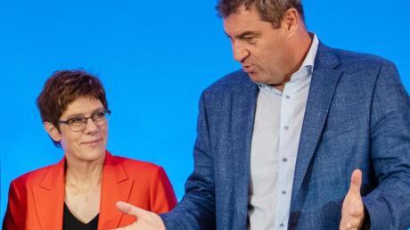 CDU-Chefin Annegret Kramp-Karrenbauer und der CSU-Vorsitzende Markus Söder bei der Unionsklausur in Dresden.