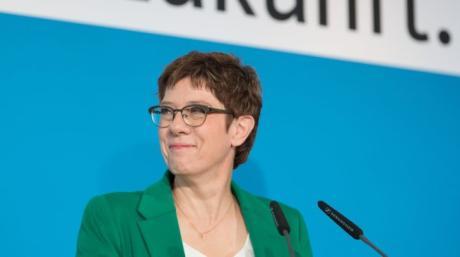 Holpriger Wahlkampf-Auftritt: Annegret Kramp-Karrenbauer.