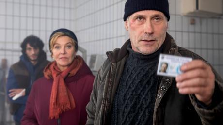 """Anna Janneke (Margarita Broich), Paul Brix (Wolfram Koch) und Mehmet (Burak Yigit): Szene aus dem Frankfurt-Tatort """"Falscher Hase"""", der heute im Ersten läuft."""