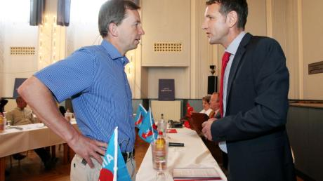 Der Bundesvorsitzende Bernd Lucke im Jahr 2014 mit dem Landeschef Björn Höcke. Das war vor nur fünf Jahren. Doch inzwischen ist einiges passiert in der AfD.