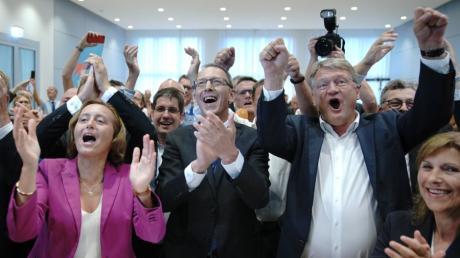 Die AfD freut sich über starke Ergebnisse bei den Landtagswahlen in Sachsen und Brandenburg.