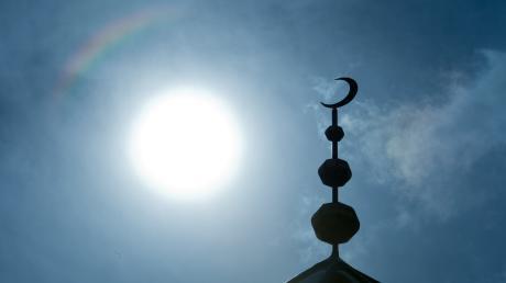 In einer Münchner Moschee predigten bekannte Salafisten aus Somalia. Sie lehnen den Westen ab. Einer der Männer trat auch in Augsburg auf. Gerät die Lechstadt jetzt ebenfalls in diesen Sog?