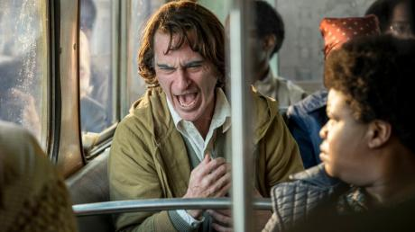 """Schauspieler Joaquin Phoenix in einer Szene des Films """"Joker"""", der den Goldenen Löwen in Venedig gewann."""