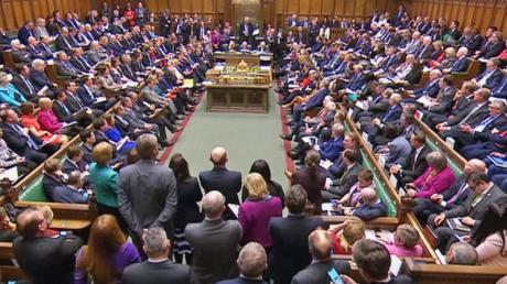 Blick auf das britische Parlament. Das Unterhaus verabschiedet sich in die vom Premierminister auferlegte Zwangspause.