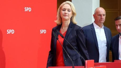 Manuela Schwesig Ministerpräsidentin legt wegen Krankheit ihr Amt als kommissarische SPD-Chefin nieder.