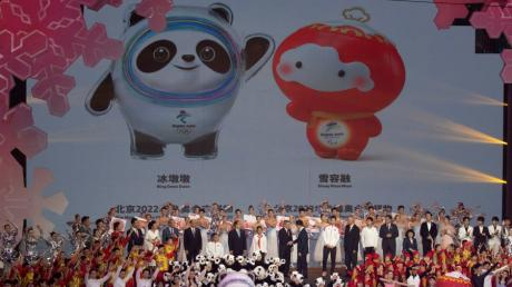 Bei einer Zeremonie in der Shoungang Eishockey Arena werden die Maskottchen für die Olympischen Winterspiele 2022 in Peking vorgestellt.