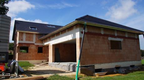 Eine geplante Garage in Tödtenried beschäftigte den Sielenbacher Gemeinderat erneut.