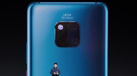 Richard Yu, Chef des Verbrauchergeschäfts von Huawei, präsentiert in München die neue Smartphone-Serie Mate 30/30 Pro.