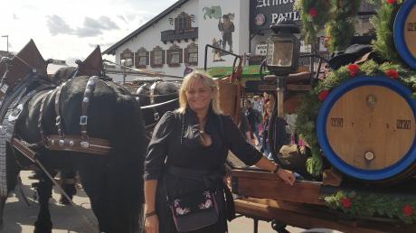 Claudia Staudenecker ist ein großer Wiesn-Fan, deshalb fährt sie schon seit Jahren jeden Tag von Bachhagel nach München auf das größte Volksfest der Welt.