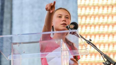 Die schwedische Greta Thunberg spricht mit gerade mal 16 Jahren auf verschiedenen internationalen Klimakonferenzen. Sie fordert mehr Umweltschutz.