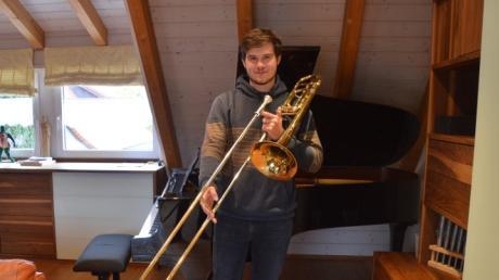 Raphael Finck spielt Klavier und Posaune. Dieses Jahr wird er zum ersten Mal mit seinem Blechblasinstrument beim Festival der Nationen mitspielen.