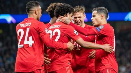 Im Hinspiel konnten die Münchner jubeln - heute am 11.12.19 läuft in der Champions League das Rückspiel FC Bayern - Tottenham live im TV und Stream. Überträgt Sky oder DAZN?