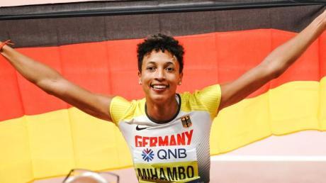 Mihambo ist nach Heike Drechsler die zweite deutsche Weitsprung-Weltmeisterin. Foto: Michael Kappeler/dpa