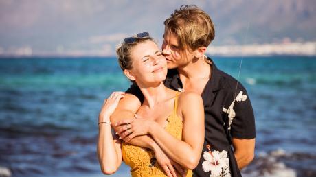 """""""Love Island"""" 2020: Alle Infos zur Übertragung live im TV und Stream - hier. Vivi und Sidney haben die dritte Staffel gewonnen."""
