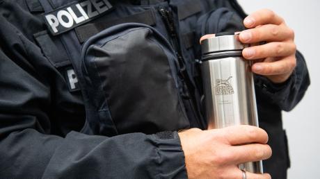 Die neuen Shakes wurden nach Angaben des Innenministeriums schon von Polizisten getestet - nun soll das bundesweit einmalige Projekt ausgebaut werden.