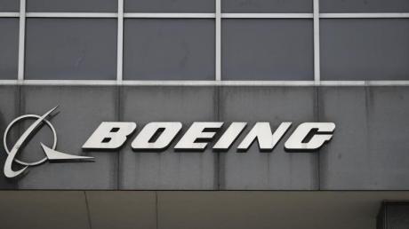 An wichtigen Bauteilen an Jets vom Typ Boeing 737 NG wurden Risse entdeckt. Womöglich hat das Problem eine deutlich größere Dimension als bislang angenommen.