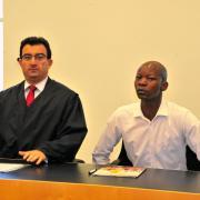 Rechtsanwalt Ugur Kör vertritt Hamado Dipama aus München, geboren in Burkina Faso, der sich auf eine Zeitungsanzeige hin in Augsburg eine Wohnung mieten wollte.