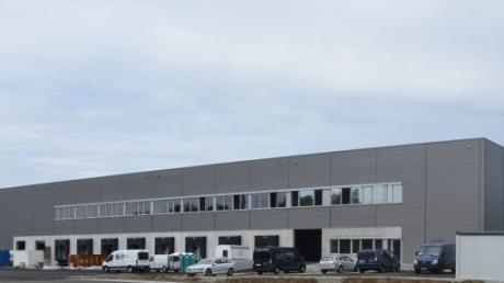 Das  Logistikzentrum des Dillinger Geschirrspülerwerks erhält eine große Fotovoltaik-Anlage.