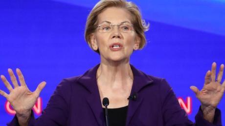 Elizabeth Warren, demokratische Bewerberin um die Präsidentschaftskandidatur, spricht während der vierten TV-Debatte der Demokraten. Foto: John Minchillo/AP/dpa