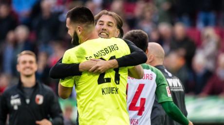 """FCA-Trainer Martin Schmidt verteidigt seinen Torwart  Tomas Koubek: """"Er ist eine Maschine, ein Top-Athlet."""""""