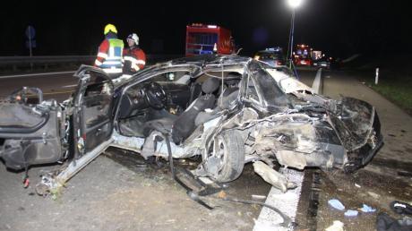 Bei einem Unfall auf der  A9 zwischen Manching und Ingolstadt-Süd ist ein 22-Jähriger gestorben.