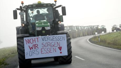 KINA · Mit dem Traktor gegen die Politik