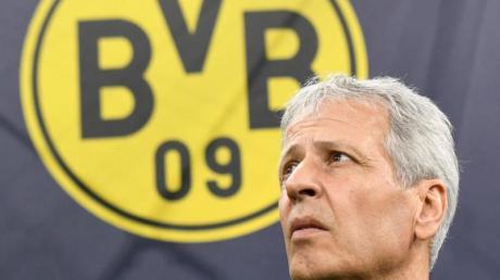 BVB-Trainer Lucien Favre muss mit seinem Team beim FC Schalke 04 antreten.