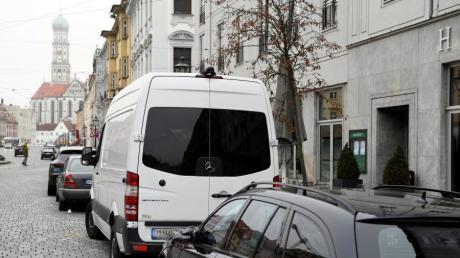 An einem Mercedes Sprinter und dessen Anhänger wurden die Radmuttern gelockert.