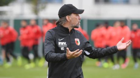 FCA-Trainer Martin Schmidt will, dass sein Team auch im Auswärtsspiel gegen die TSG Hoffenheim ungeschlagen bleibt. Das wird eine schwierige Aufgabe.