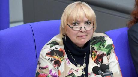 Bundestagsvizepräsidentin Claudia Roth beklagt eine vergiftete Debattenkultur bei Flüchtlingsthemen.