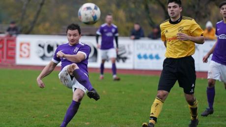 Mit 9:2 gewann Tabellenführer TSV Wemding am Sonntag gegen Munzingen/Birkhausen. Drei Treffer steuerte Daniel Haller (in Violett)  bei.