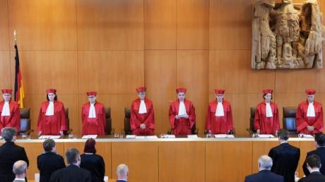 Der Erste Senats des Bundesverfassungsgerichts verkündet das Urteil über die Rechtmäßigkeit von Hartz-IV-Sanktionen. Foto: Uli Deck/dpa