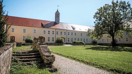 Auf dem Gelände des ehemaligen Fliegerhorstes werden Flüchtlingsfamilien untergebracht. Das teilt das Landratsamt mit. Unser Foto zeigt ein Verwaltungsgebäude.