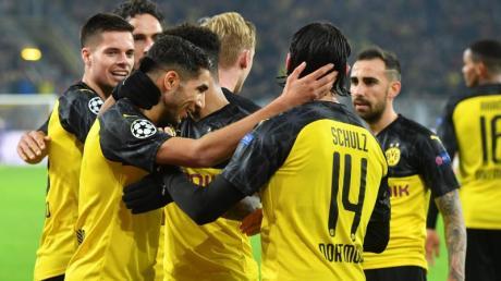 Die Spieler von Borussia Dortmund feiern. Der BVB konnte den Rückstand gegen Inter Mailand drehen.