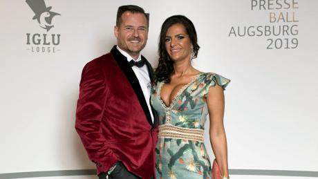 """Paula und Martin Schaletzky haben das Voting zum """"Paar des Abends"""" beim Augsburger Presseball 2019 gewonnen."""