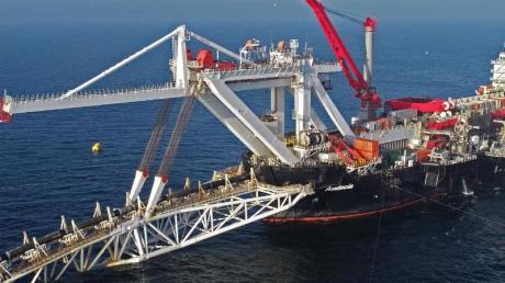 Ein Verlegeschiff des Offshore-Dienstleisters Allseas: Die USA wollen die Fertigstellung des Pipeline-Projekts Nord Stream 2 in der Ostsee verhindern - und drohen mit Sanktionen.