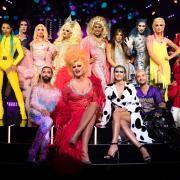 """""""Queen of Drags"""" live im TV und Stream: Sendetermine, Kandidaten und Jury - lesen Sie hier alle Infos zur Show."""