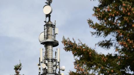 Häufig ist es schwierig für Kommunalpolitiker, Standorte für Mobilfunkmasten zu finden.