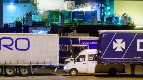 """Auf der Fähre """"Britannia Seaways"""" wurden 25 Migranten in einem Kühlcontainer entdeckt. Sie wollten von den Niederlanden nach Großbritannien gelangen."""