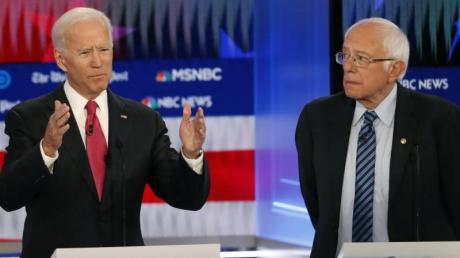 """Die Demokraten Joe Biden (links) und Bernie Sanders: Start, Termine, Kandidaten sowie Ablauf mit """"Primary"""" und """"Caucus"""" - alle Infos zu den US-Vorwahlen 2020 gibt es hier."""