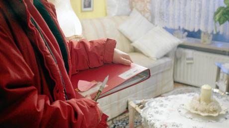 Seit Mai gibt es haushaltsnahe Dienst- und Betreuungsleistungen für pflegebedürftige Menschen, die allein wohnen.